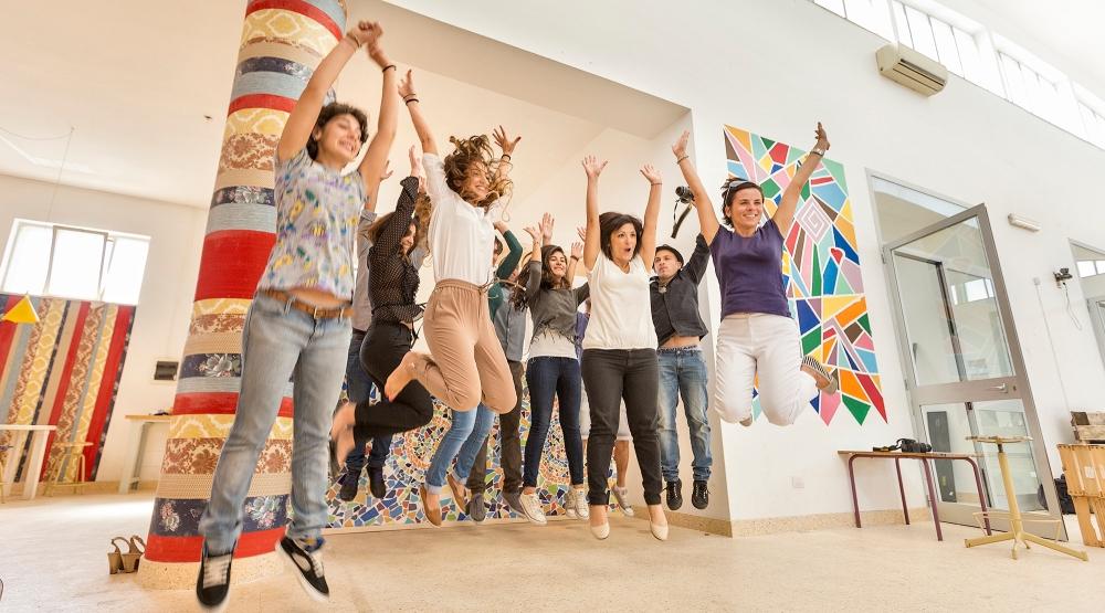 """Un salto di gioia nel Laboratorio Urbano """"Made in Spongano"""" a Spongano (LE). Réportage realizzato per la Regione Puglia (Iniziativa denominata Bollenti Spiriti) nell'Autunno 2014."""