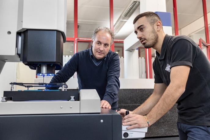 Michele D'Alonzo, owner of Elfim srl at a laser scanner